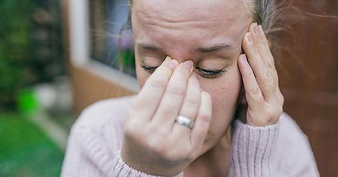 Tanda tanda sakit kepala disebabkan of jangkitan resdung.