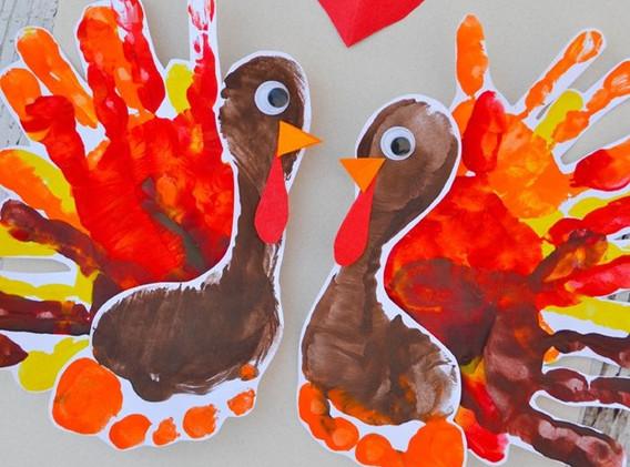 turkey handprint_edited.jpg