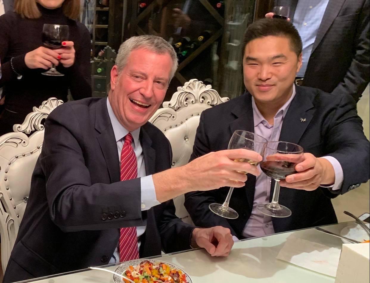 Drinking w Mayor De Blasio.jpg