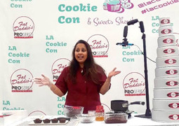 Teaching a class at LA Cookie Con in Los Angeles.