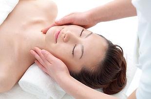 Klassischen Gesichtsbehandlung Tiefenreinigung und Feuchtigkeitsaufbau der Haut.