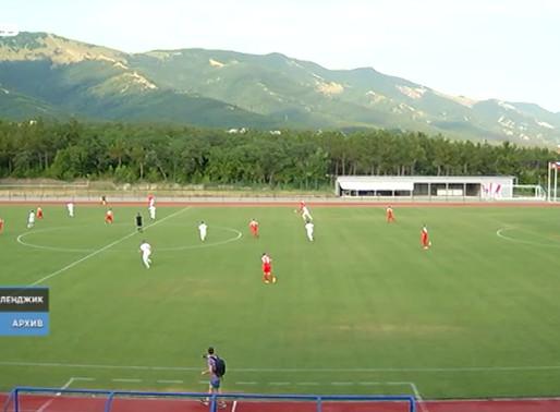 Стадион готовится к футбольному сезону