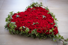 """15"""" Red Rose Heart"""