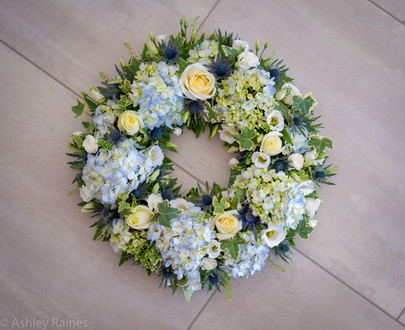 "14"" Open Wreath"