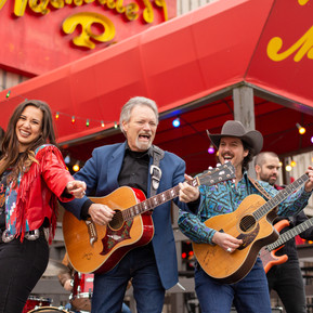 """The Heartland Network Adds Joe & Martina's """"Give Me Back the 90's"""" Music Video feat. John Berry"""
