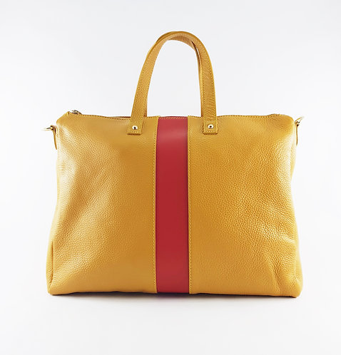 Jayda (in mustard color)