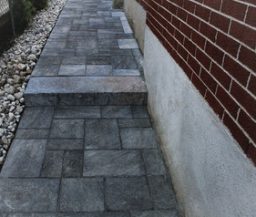 Did you know we offer driveway, walkway as well as patio services? Call today for a quote. Serving Kitchener, Waterloo, Cambridge, Guelph and surroundings.