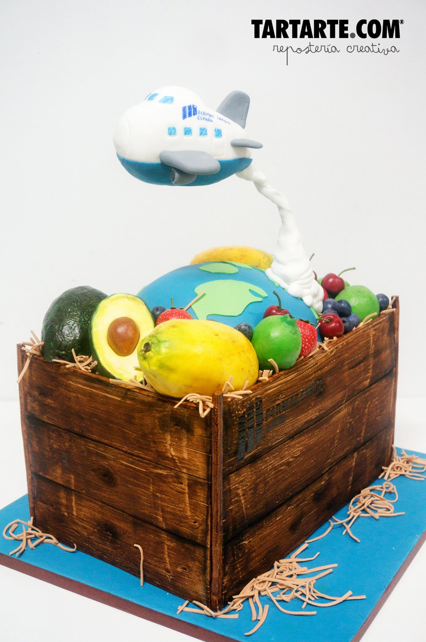 Tarta corporativa madrid caja de frutas