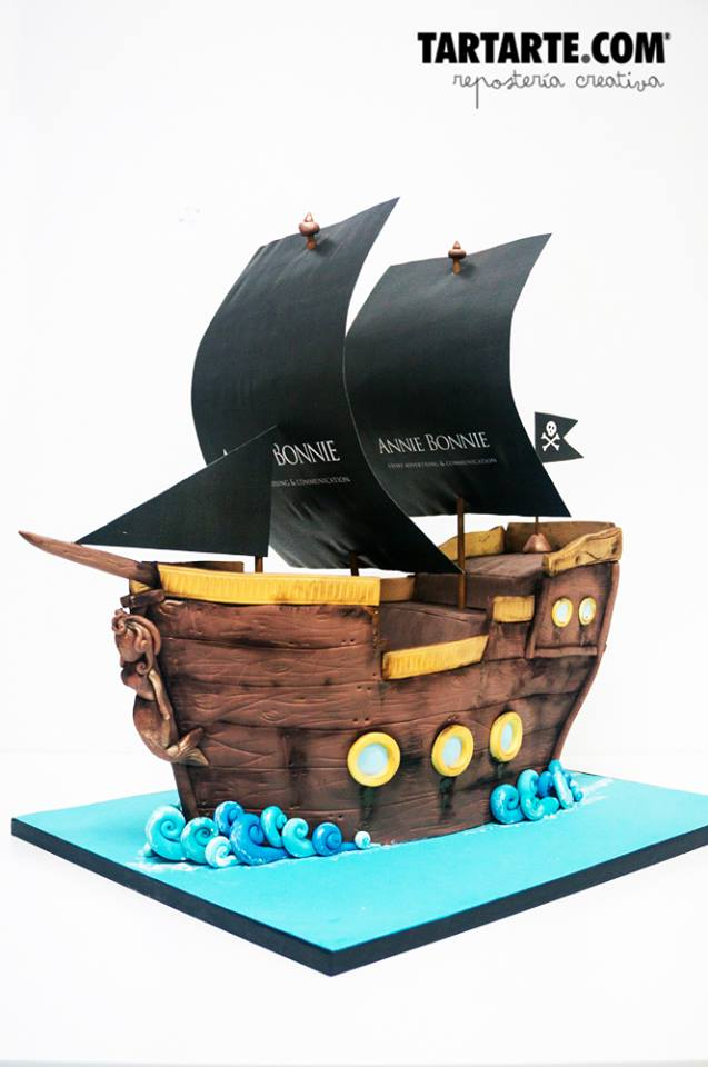 Tarta corporativa madrid barco pirata. Pirate boat corporate cake
