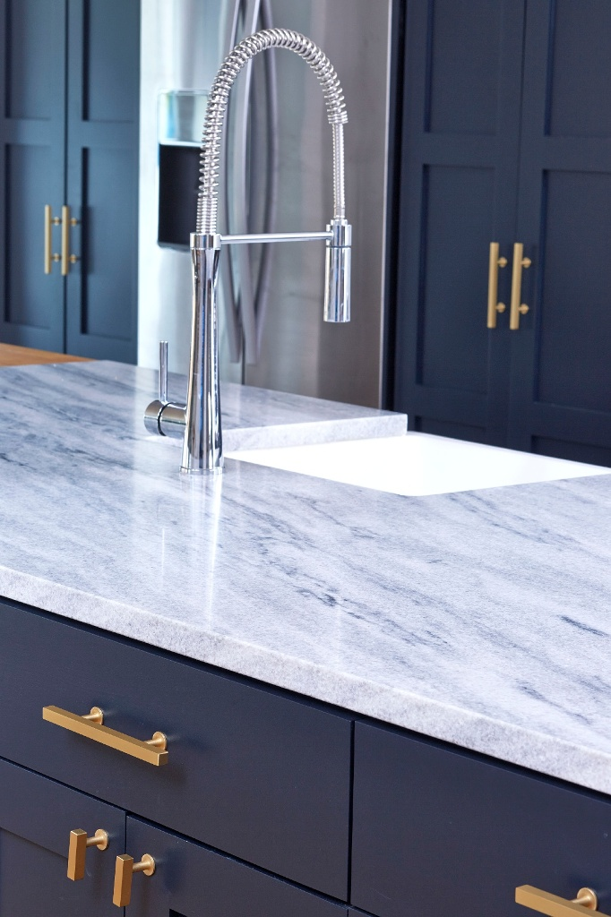 Garpa White-tuscany-marble-kitchen