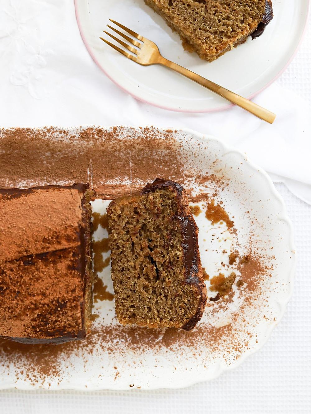 Bolo Vegan de Café com Cobertura de Chocolate