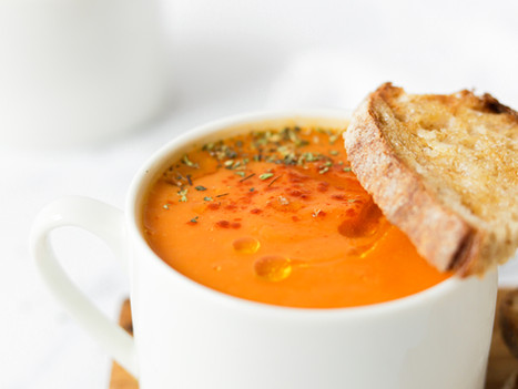 Sopa de Abóbora com Cenoura, Pimento e Tomate