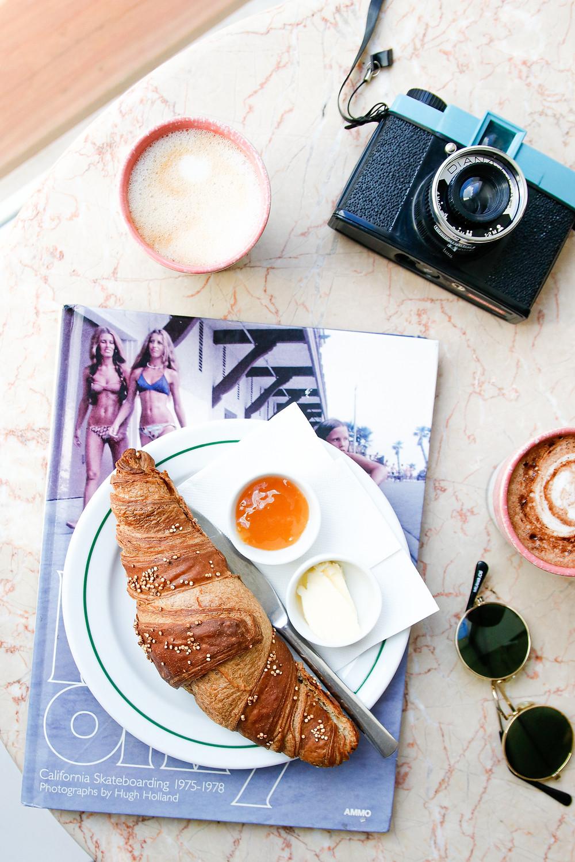 EleEla Café - o sitio onde podes comer os melhores croissants folhados vegan de lisboa!