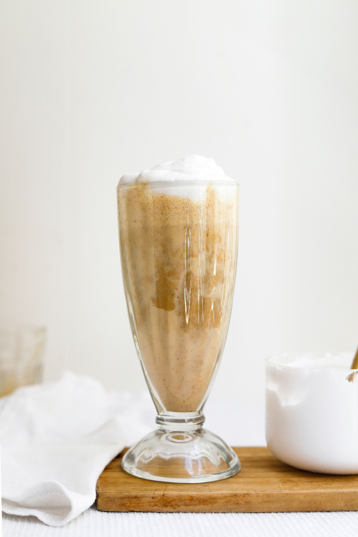 Latte Vegan com Manteiga de Amendoim