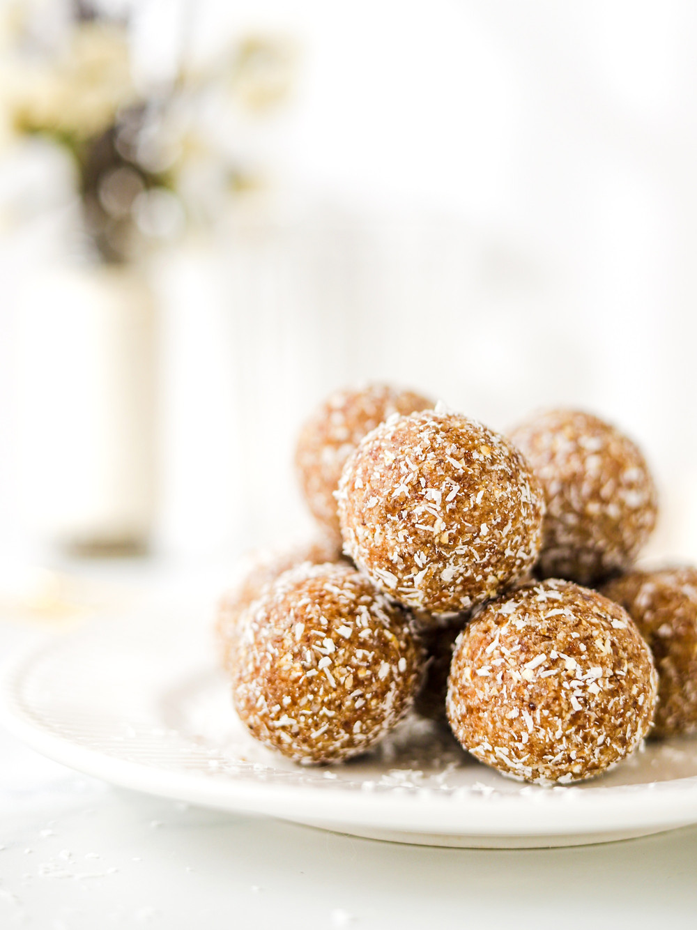 Energy Balls Vegan de Caramelo e Coco - Só 3 ingredientes