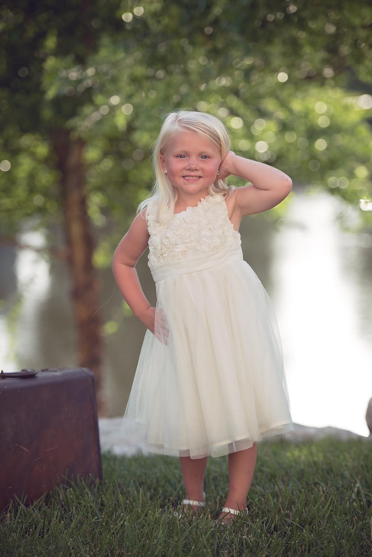 #angelabutlerphotography #stlouis #photographer #maternity #children #childportrait