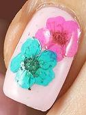 Real-dried-flower-nail-art-3.jpg