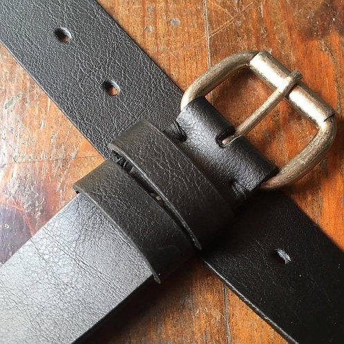 Leather belt with metal roller buckle