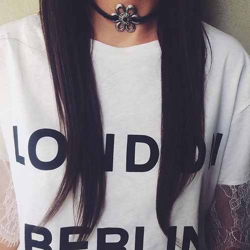 Suede choker with metal carved flower