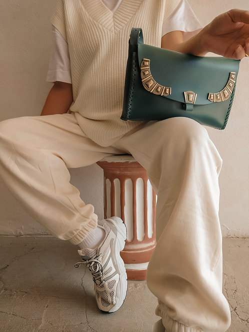 """Serenade"" shoulder bag in cypress green"