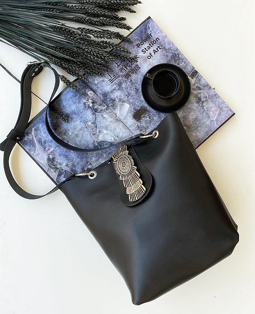 """""""Echoes"""" black shoulder bag"""