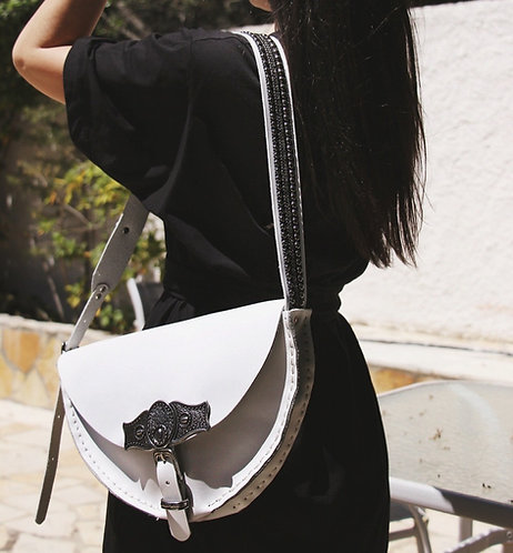 """Nemesis"" shoulder bag in colors"