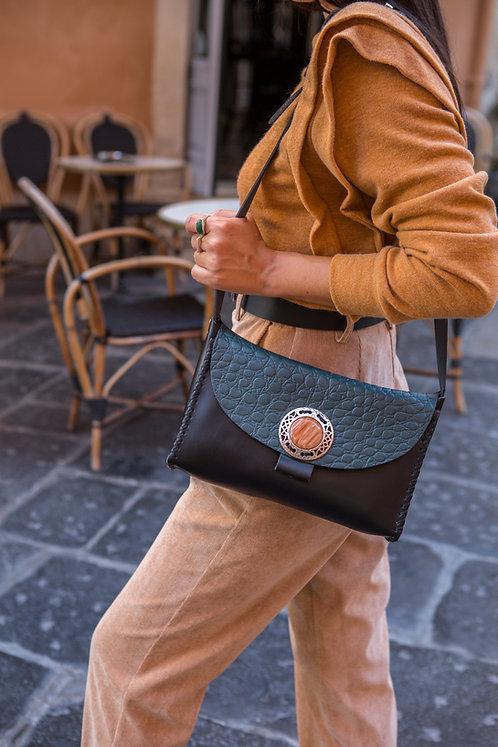 """""""Precious"""" shoulder bag, cypress green details"""