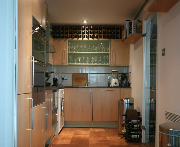 Contemporary Galley Kitchen della-Porta design