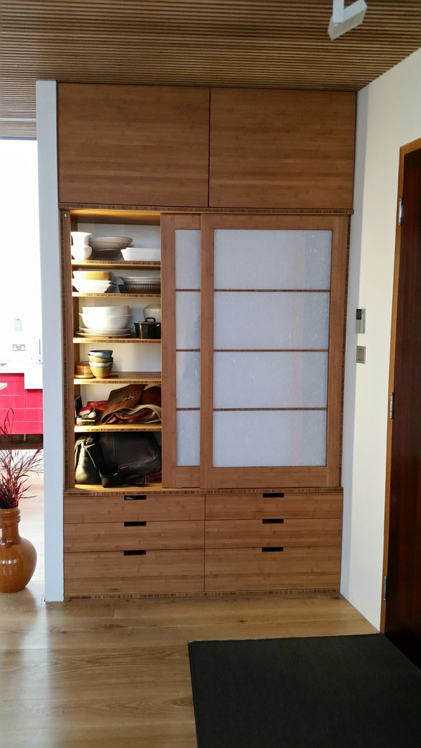 Bamboo Entrance Cupboard della-Porta design