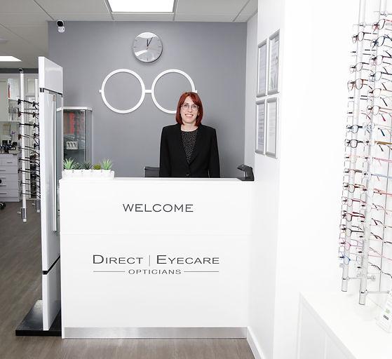 Photograph of an Optical Advisor at reception