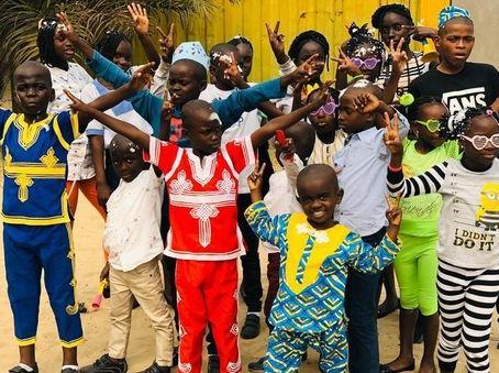 Les enfants fêtent leur première fin d'année scolaire !