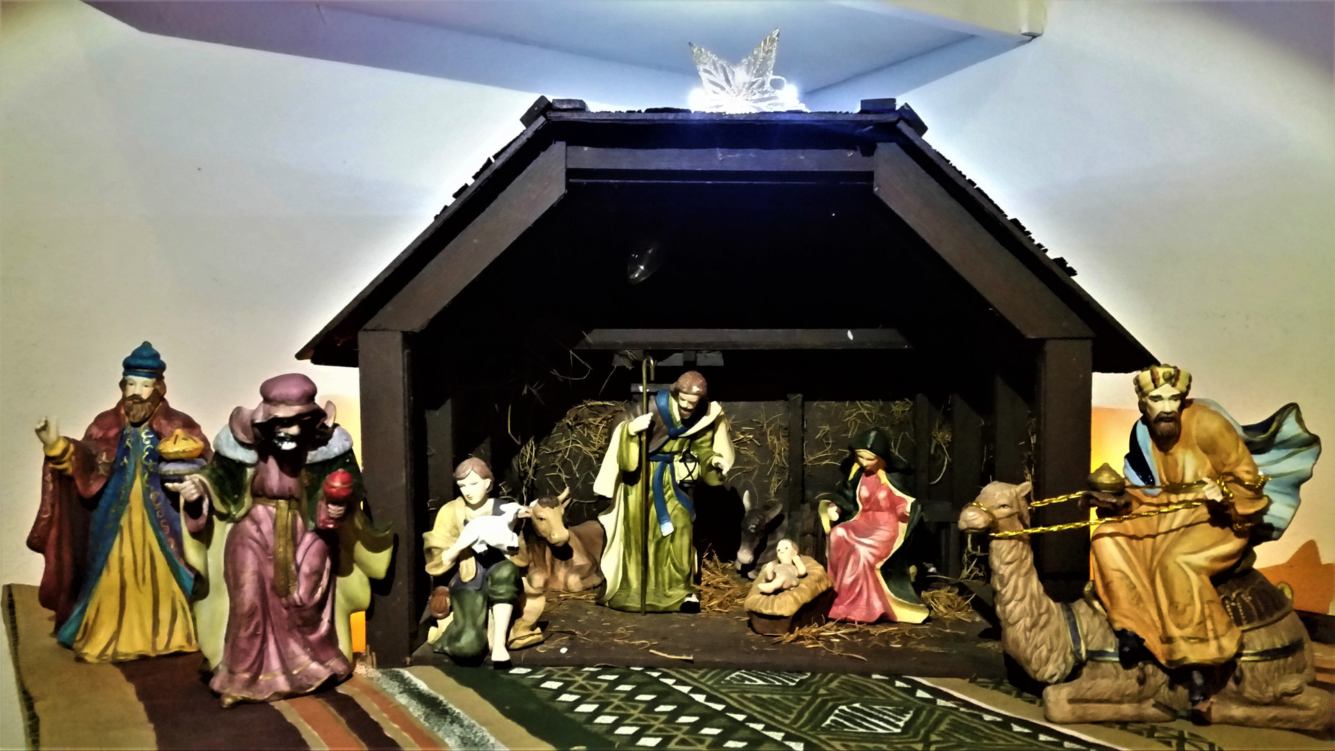 The Higginbothams: 1980s Traditional Nativity