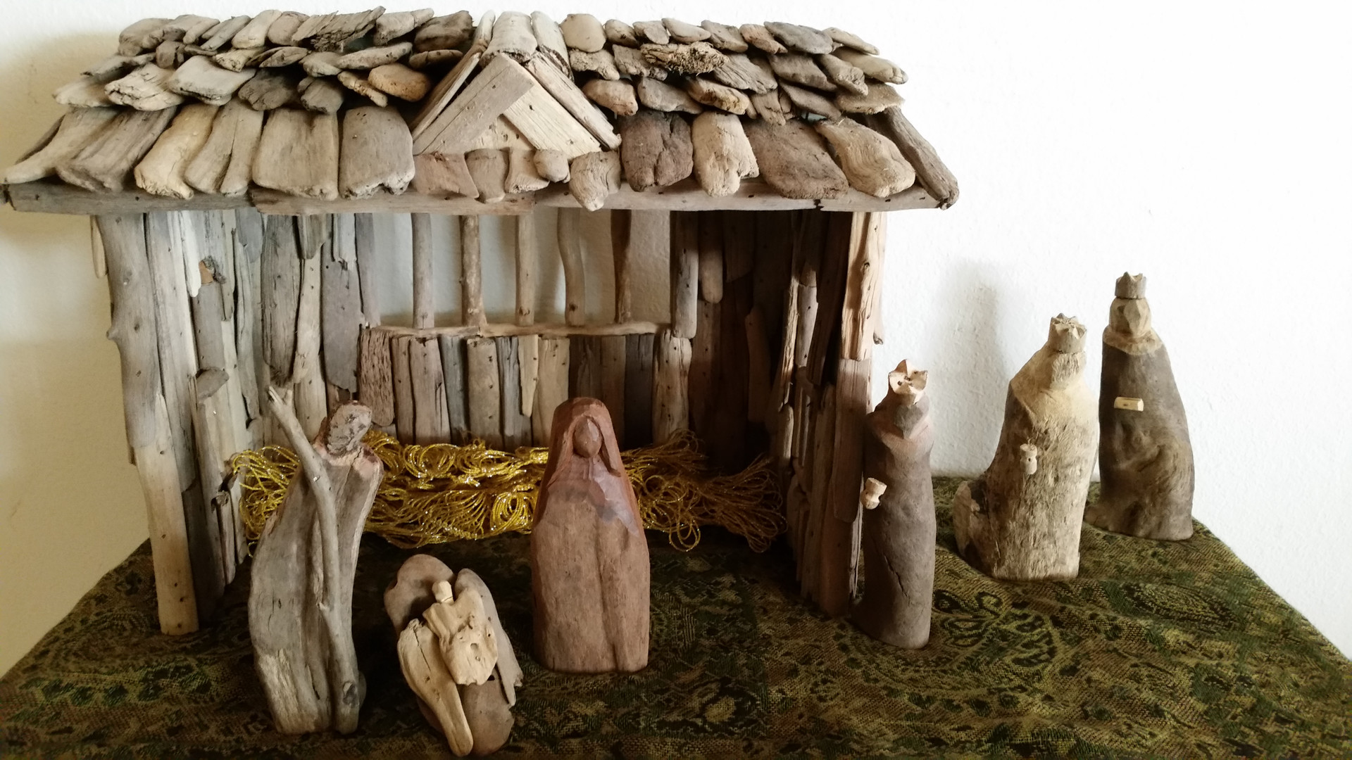 The Higginbothams: Nativity handmade from driftwood