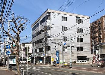 福岡市中央区・城南区の矯正専門医院|はた矯正歯科(笹丘平和ビル)外観