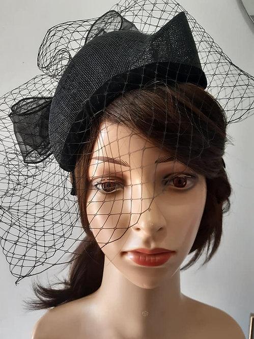 Black veiled sinamay beret