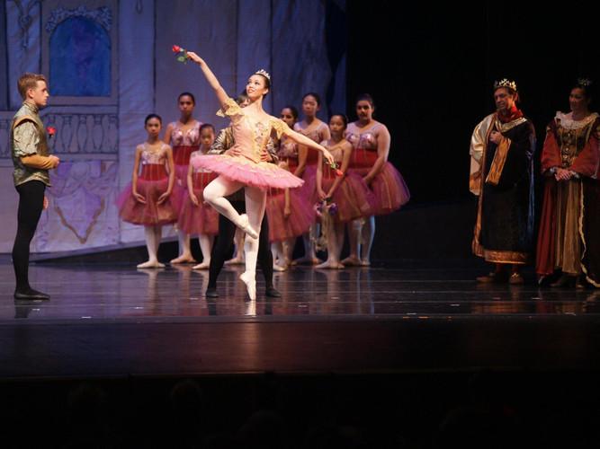 Sleeping_Beauty_Ballet_Petit.jpg
