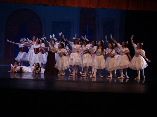 Shall_We_Dance_BalletPetit.jpg