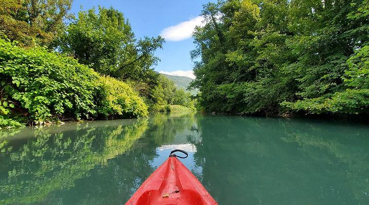 Location de canoë kayak avec FoxaGliss pour la descente des lônes des vielles îles entre l'Ain et la Savoie