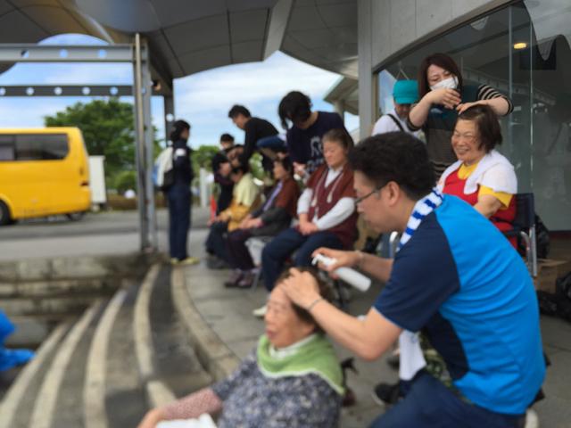 九州大震災美容支援活動