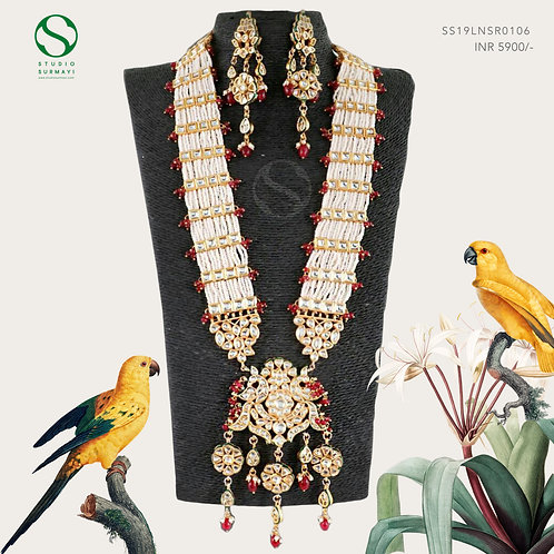 Kundan Necklace with Pearls Details