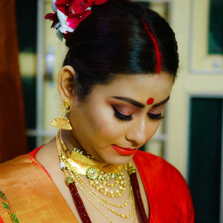 Studio Surmayi Party Makeup