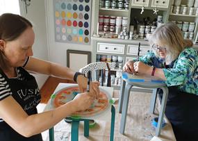 Stool_painting_workshop_9.jpg