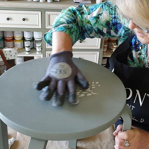 Stool_painting_workshop_10.jpg