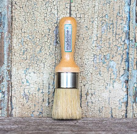 Madeline Medium Wax Brush