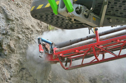 Drilling a ground anchour