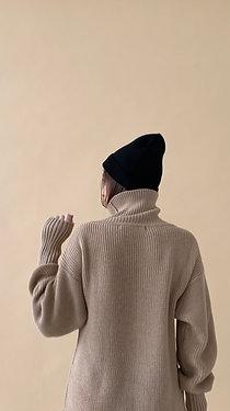 Платье-свитер с воротом, беж