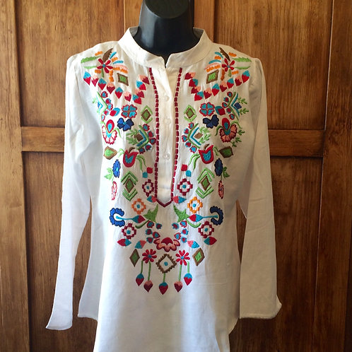 #2289 A&A White Embroidery Top