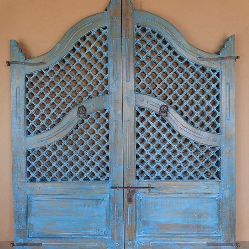 Antique furniture door reclaimed salvaged boutique shopping Kerrville gates Ingram builders architect architectural designer