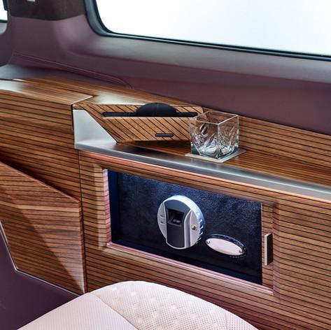 Mercedes-Benz V-class KLASSEN VIP  интерьера