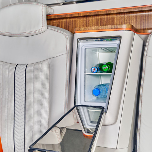Mercedes Sprinter Jet Van von KLASSEN VIP , Privatjet und Luxus Business Büro